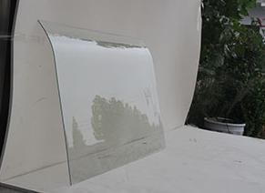 钢化玻璃的详细特点和标准规格